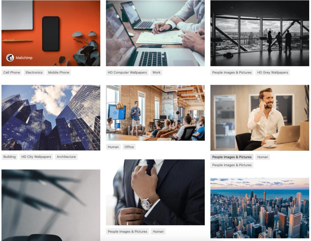 Un collage di foto che rappresentano uomini bianchi che scrivono al computer, partecipano a riunioni, parlano al telefono o si aggiustano la cravatta.